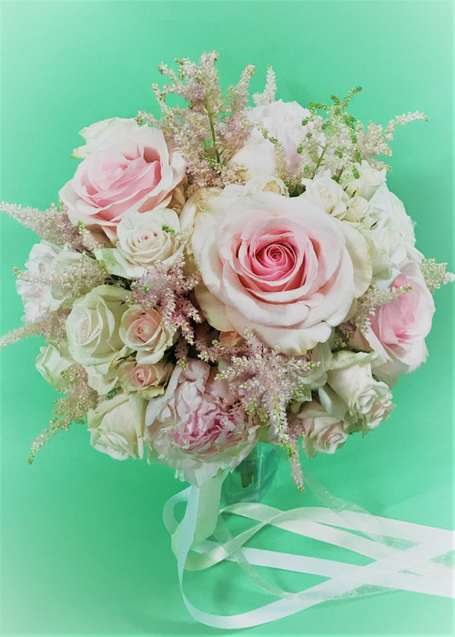 Fresh Flower mixed Rose Bridal Bouquet in pink and white