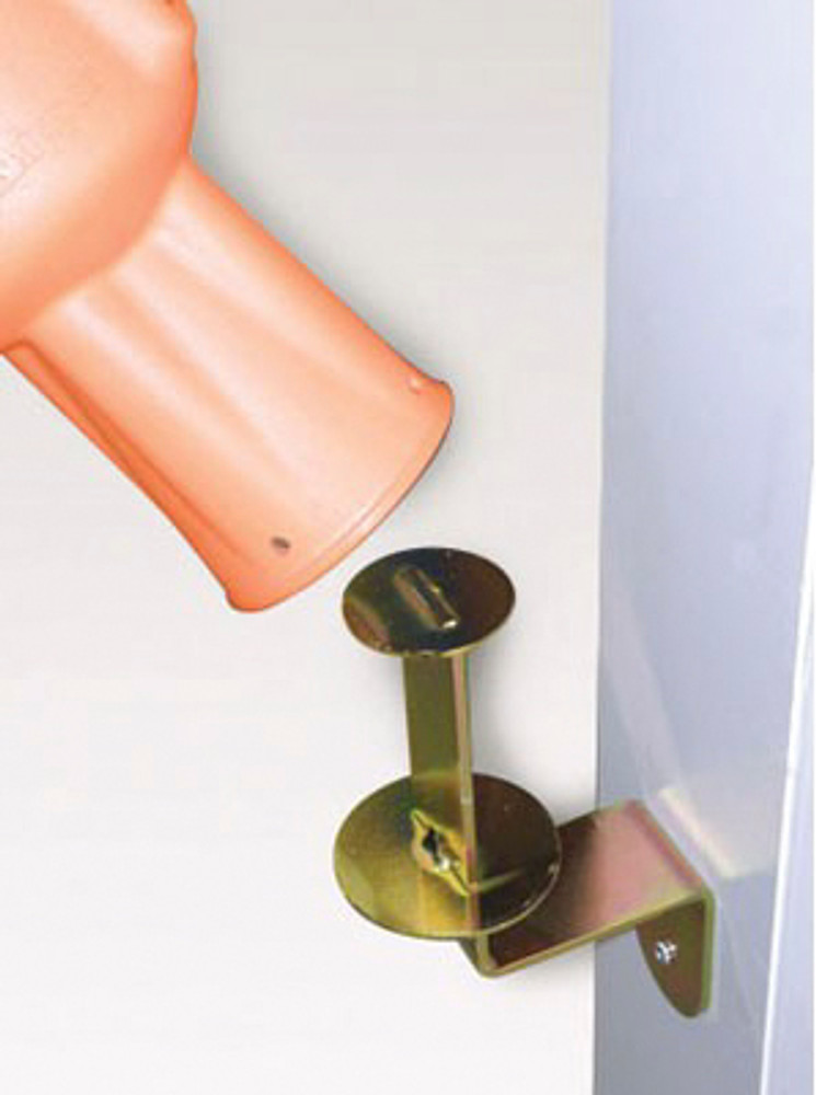 Skipper wall mount bracket