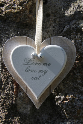 "simple shabby chic heart ""love me love my cat """