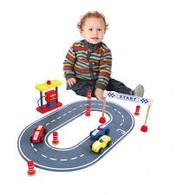 Discoveroo Wooden Car Race Set