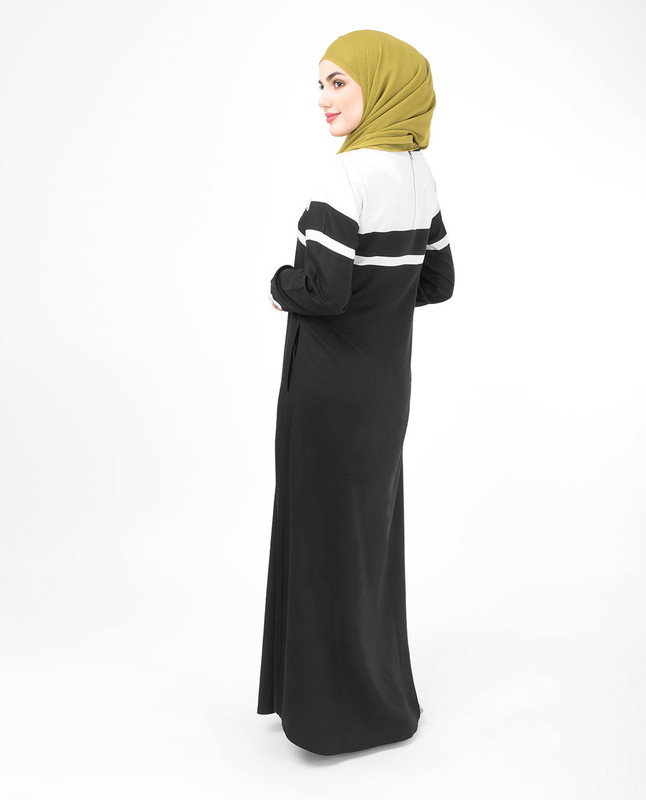 Black and White Beauty Jilbab