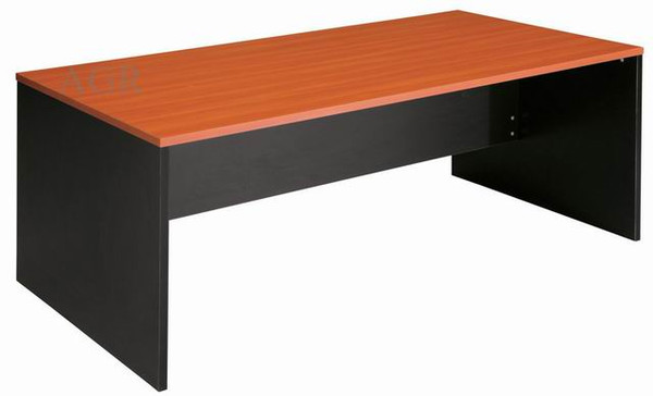 Desks various sizes from
