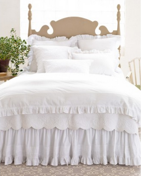 Victoria And Louisa Queen Bedding Set