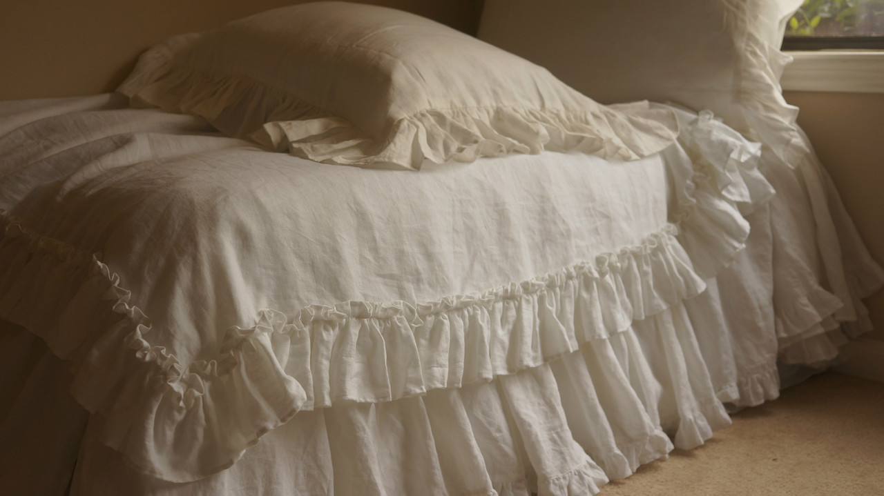 Ruffled Linen Sheets In Vintage Ruffle Style Handcrafted