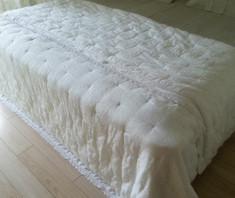 white linen comforter