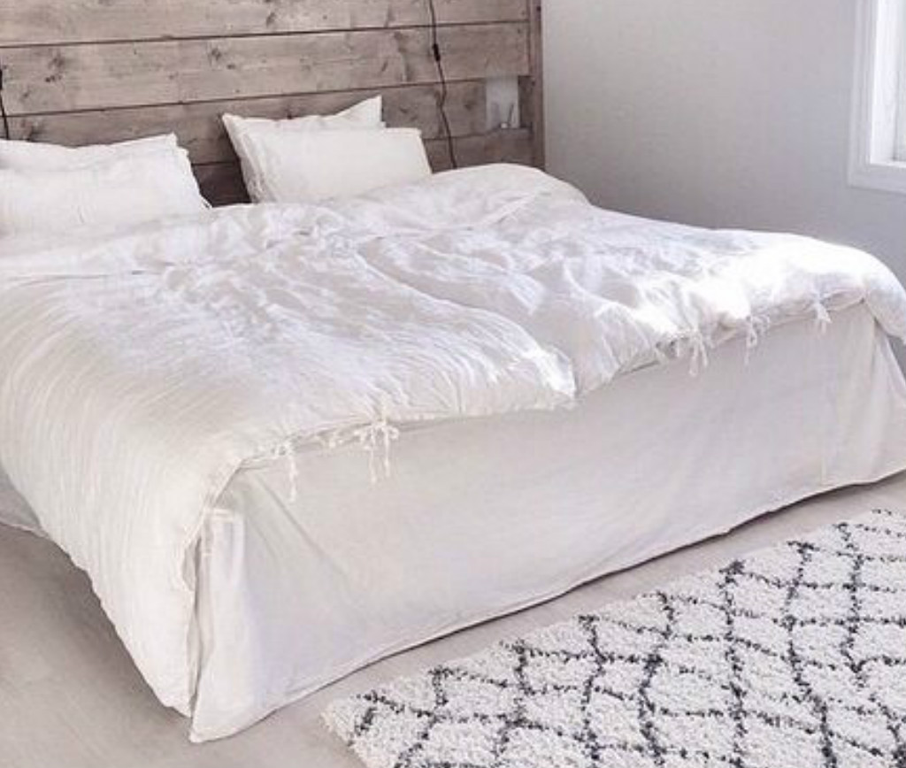 ... Box Bed Skirt White Linen ...