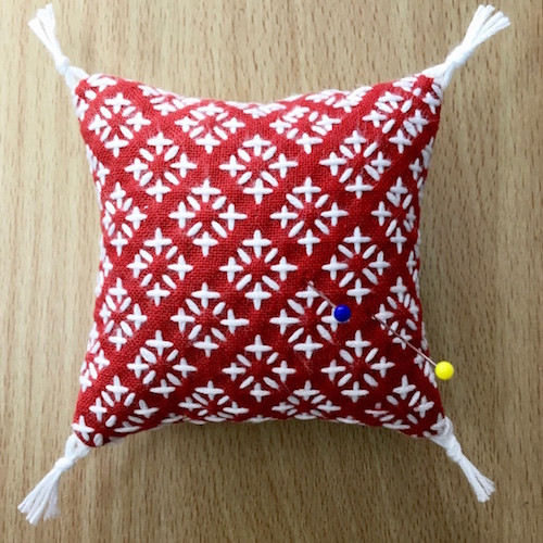 Komezashi (Rice Stitch) One Stitch Sashiko Pincushion/Coaster Kit