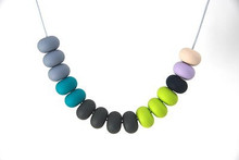 tiny and i Necklace 15 bead  - Eden