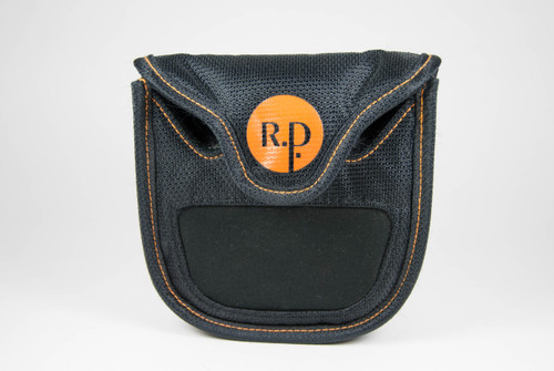 Front View of ReadyPutt and Magnetic Surface