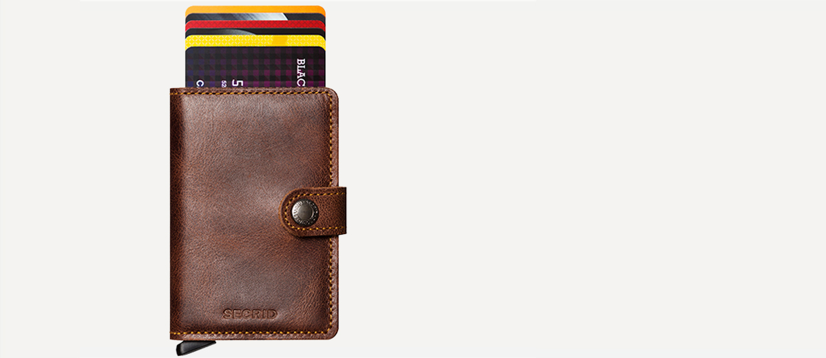 Shop Wallets at Bijoux Collection