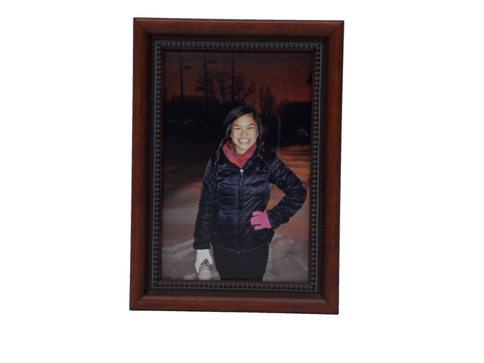 Decorative Tabletop Frame for 5x5 Pictures (Display Image is 5x7)