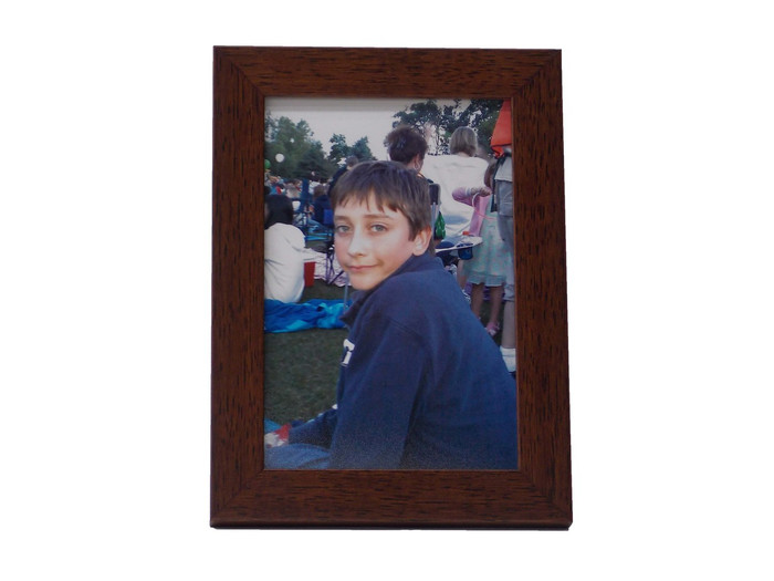 4x6 Walnut Finish Tabletop Picture Frame