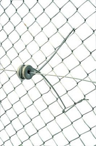 Gallagher 12 Inch Chain Link Fence Offset with Insulator Attaches to Fence
