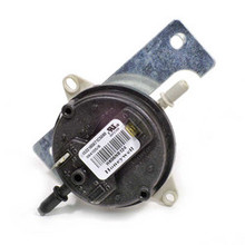 Carrier Products Pressure Switch Part# HK06NB124