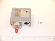 "Johnson Controls P70AN-210 Pressure Control 12""/80#"