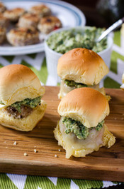 SPICY TUNA CROQUETTE SLIDERS WITH CHUNKY AVOCADO PESTO