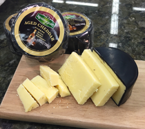 Kerrygold Grass-fed AGED CHEDDAR WITH IRISH WHISKEY CHEESE