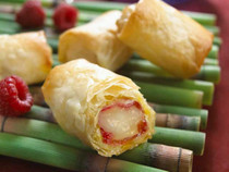 BRIE & RASPBERRY WITH ALMONDS IN PHYLLO - 56 pieces per tray