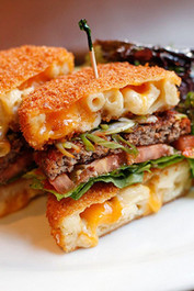 Ultimate Mac & Cheese Burger