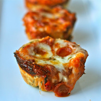 Assorted Mini Deep Dish Pizza - 200 pieces