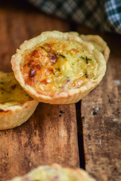 Mini Classic French Quiche w/ Bacon & Swiss Cheese - 100 pieces per tray