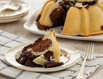 Dolce Vita Jane - Experience Perfect Cake Harmony with this Marbled Pound Cake
