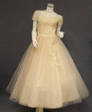 EXQUISITE Candlelight Tulle 1950's Wedding Dress w/ Lace Appliques