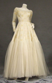 EXQUISITE Embroidered Tulle 1950's Wedding Gown