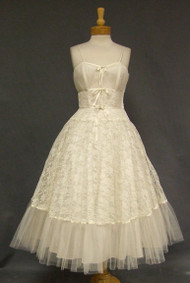 Superb Ivory Lace & Tulle 1950's Prom Dress