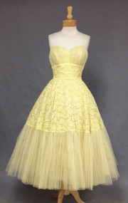 Feminine Lemon Custard Lace & Tulle Strapless 1950's Prom Dress