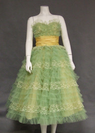 Charming Green Lace & Tulle Early 1960's Strapless Prom Dress