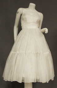 Beautiful Flocked Ivory Chiffon 1950's Strapless Wedding Debutante Dress Full Skirt Jacket