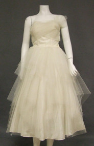 Ivory Tulle 1950's Prom Dress w/ Tiered Handkerchief Hemmed Full Skirt