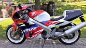 1994 Honda FVR750R RC45