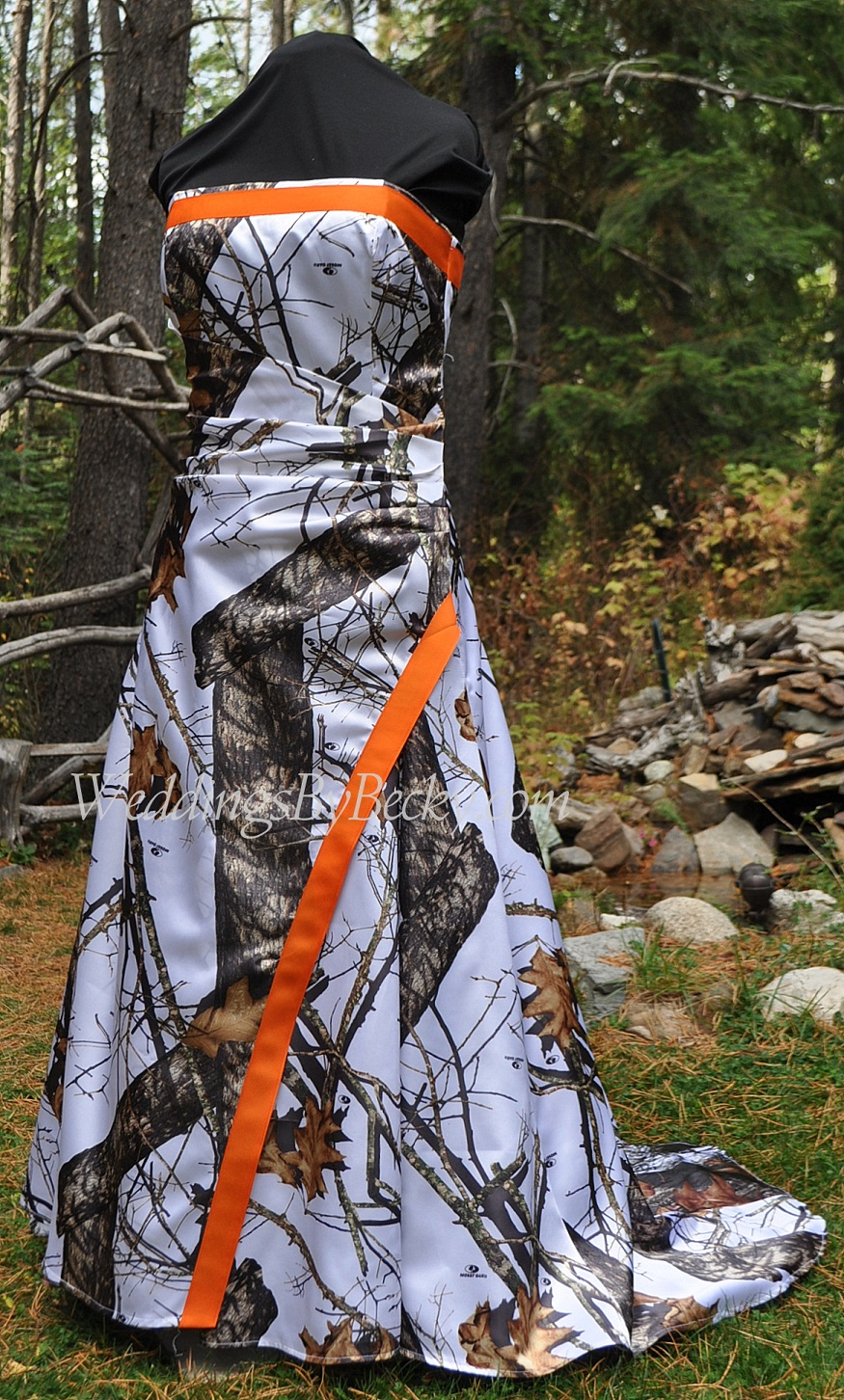 blog white camo wedding dress Becky says that the camo trend is moving towards adding lace to the dress as well as a little bling here and there Ribbons and trimmings in orange or