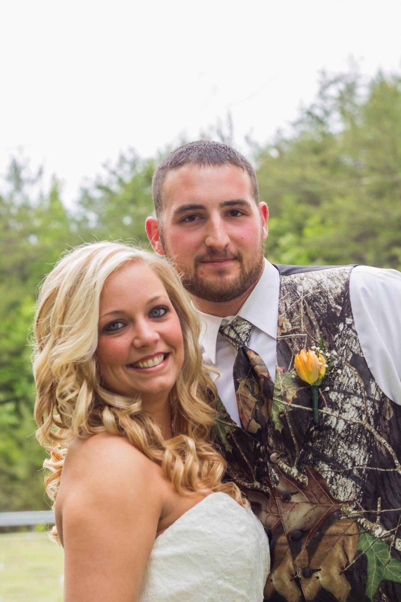 Lauren & Kaleb\'s Rustic Country and Camo Wedding - CAMOKIX