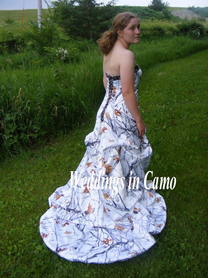 Weddings in Camo Feature - CAMOKIX