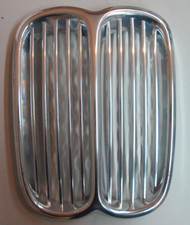 BMW 3.0cs 3.0S Front Center Kidney Grille