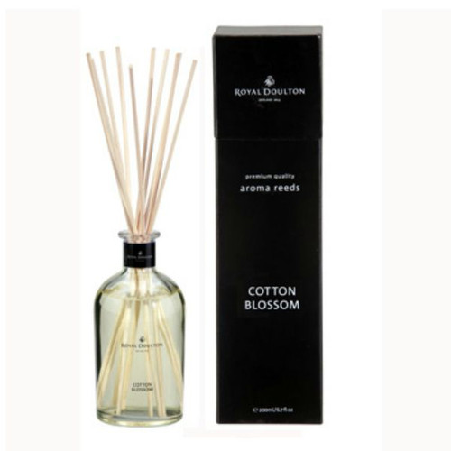 royal doulton reed diffuser cotton blossom - has an upmarket black gift box.