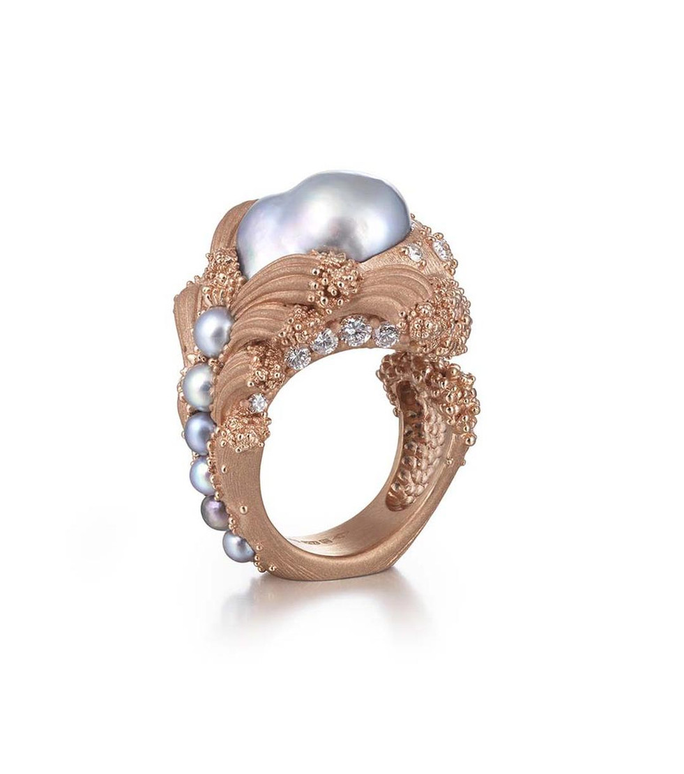 Wear Baroque Pearl Jewellery to show your personalities