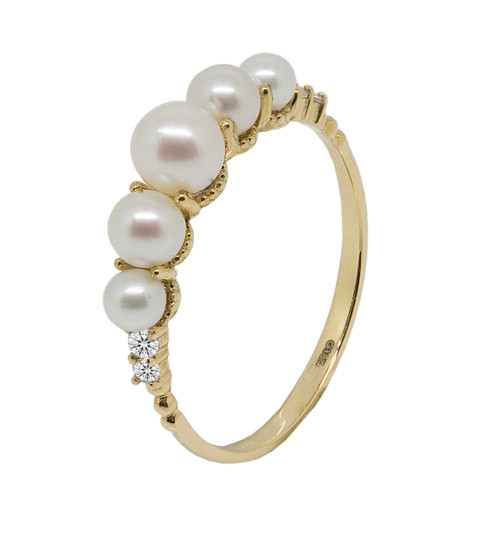 Five White Cultured Pearl Ring in 18ct Yellow Gold (size M 1/2)