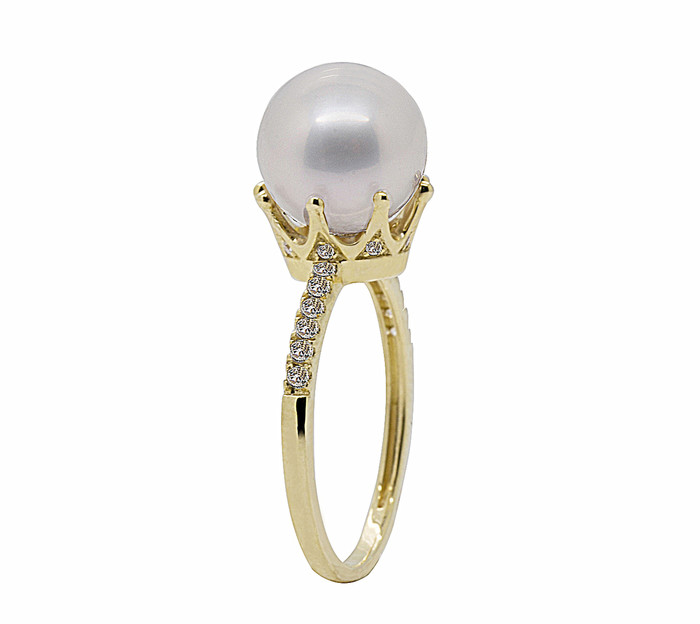 Lilac Pearl Ring in 14ct Yellow Gold Crown