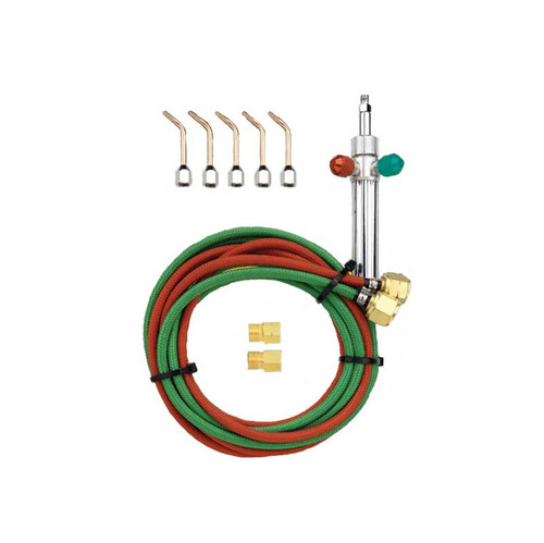 Kit including torch handle, tips and fuel hoses with adapters