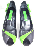 MARC JACOBS Black Green Leather Peep Toe Pump Size 7.5