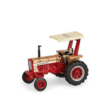 1:64 Farmall 656 Hydro Gold Demonstrator with Rops National Farm Toy Museum Tractor