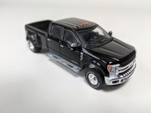 1:64 2018 Ford F-350 King Ranch Dually In Shadow Black