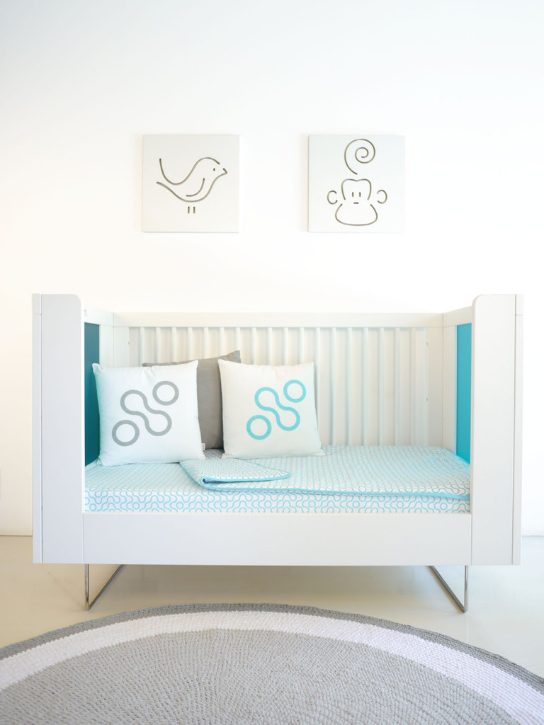 Alto Crib converted to Daybed