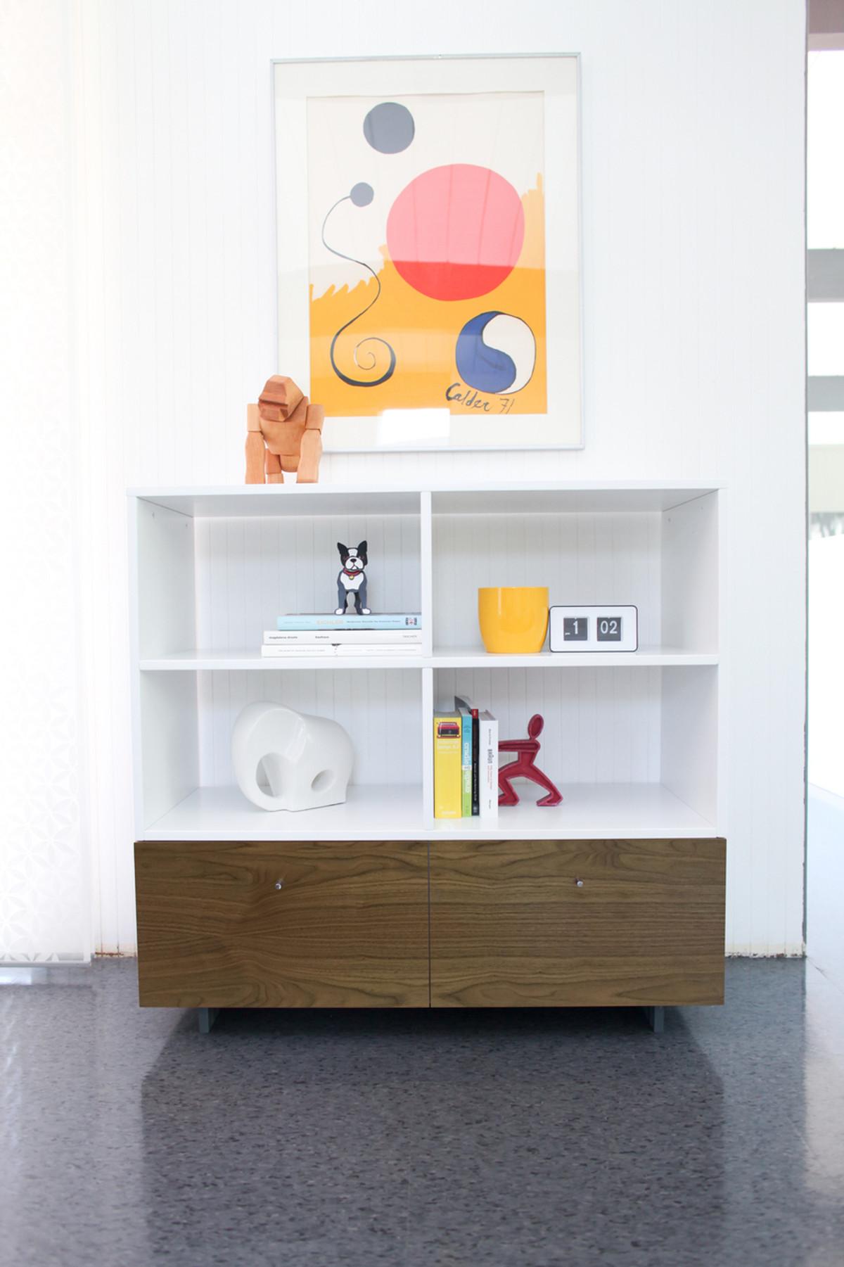 Roh Bookshelf Walnut/Finish
