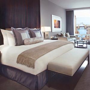 300x300-hotel-bedding.jpg