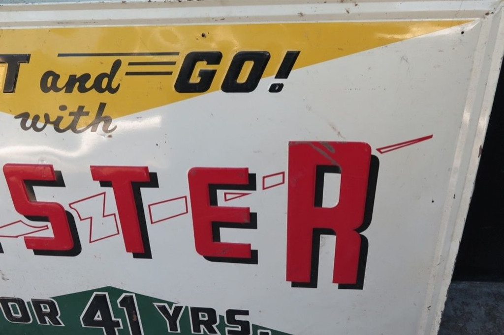 RARE / LARGE AMERICAN HESTER BATTERIES GAS STATION EMBOSSED TIN SIGN.